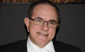 Esteban González